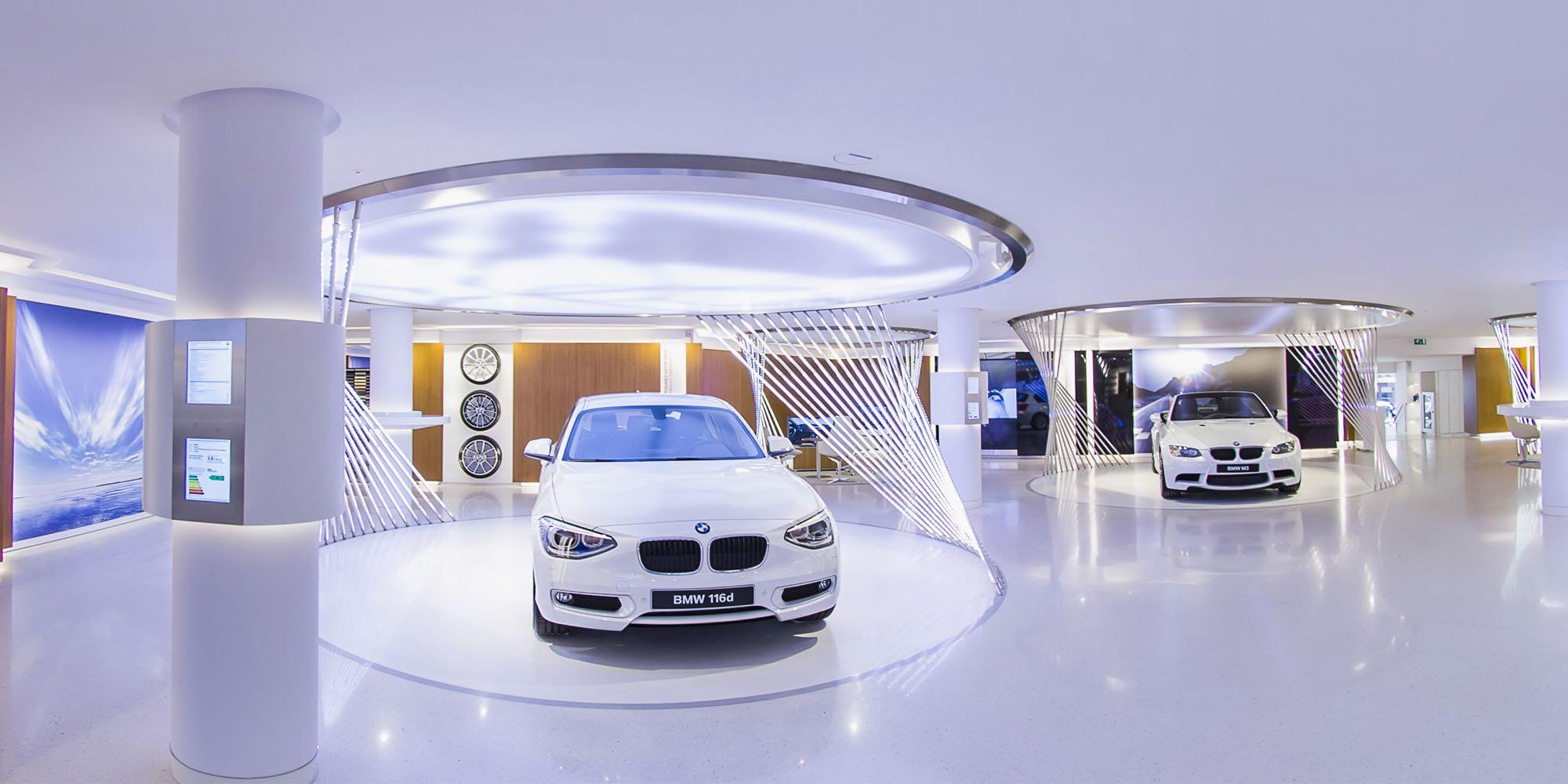 Ecrin digital dans une boutique BMW